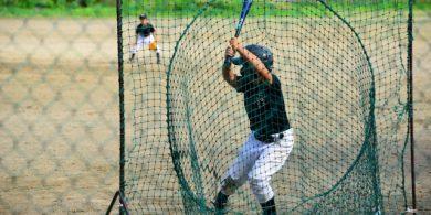 青梅の行政書士は地元でボランティアで野球の審判をしています。